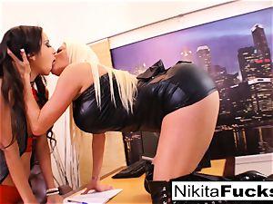 Nikita's lesbo office poke