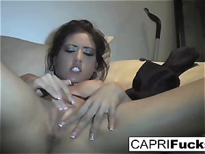 Capri Cavanni play with her wet cunny