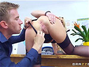 Brittany Bardot likes getting slapped