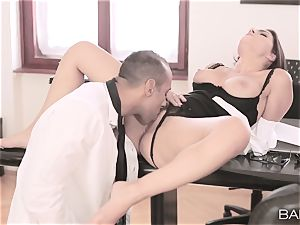 Valentina Nappi peels off off and ravages her boss