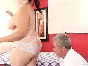 plus-size big-chested Bella gets a sex rubdown