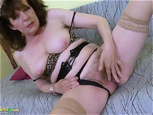 OldNannY unshaved grandma puss playing masturbation