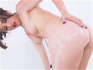 Jennifer white gets molten and insane wettened in her bath for something naughty
