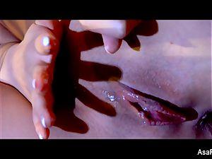 extraordinaire Asa Akira takes a hefty black meatpipe