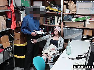 Shoplifting nubile smashed by creepy chief