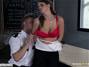 Policeman penalizes horny student on the table