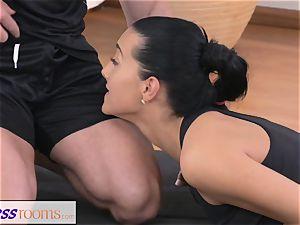 FitnessRooms Gym Bunny fucks individual sport trainer