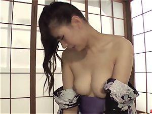 insatiable cougar Yui Oba enjoys stiff hump with junior stud