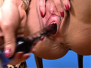 cool Lisa Ann stuffs her fake penis deep in her raw vagina