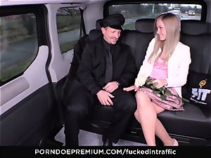 romped IN TRAFFIC - spunk on ass for super-naughty slender platinum-blonde