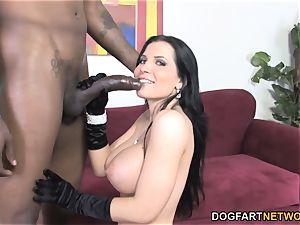 Rebecca Linares likes big black man meat