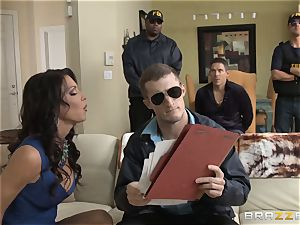 Criminals wifey Jessica Jaymes nailed by a warm cop