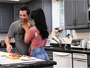 Gina Valentina enjoys filthy kitchen fuck-a-thon
