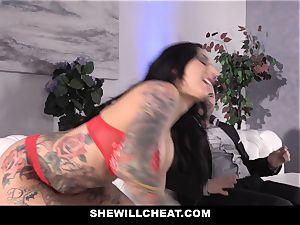 SheWillCheat - fuckslut wifey culo drilled by pal