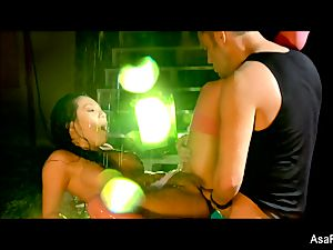 chinese babe Asa Akira gets her coochie pounded rock-hard