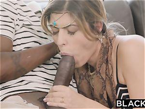 BLACKED Arab female luvs bbc and gets a deep creampie