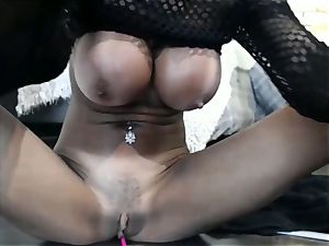Persian cougar Wants You to observe While jerking