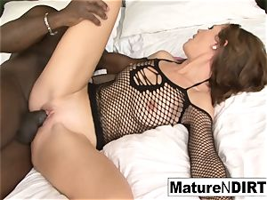 brown-haired mummy strokes before taking a bbc