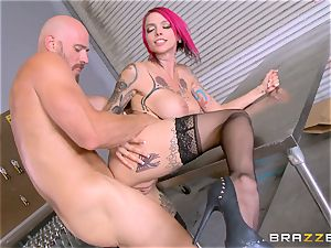 warm manager Anna Bell Peaks rails her employees bone