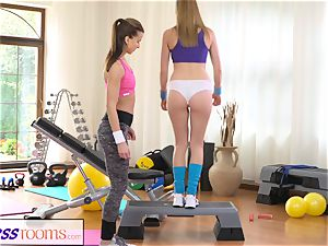 FitnessRooms scorching stunners having bang-out in the gym